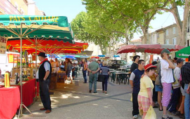 Marché traditionnel Pomerols